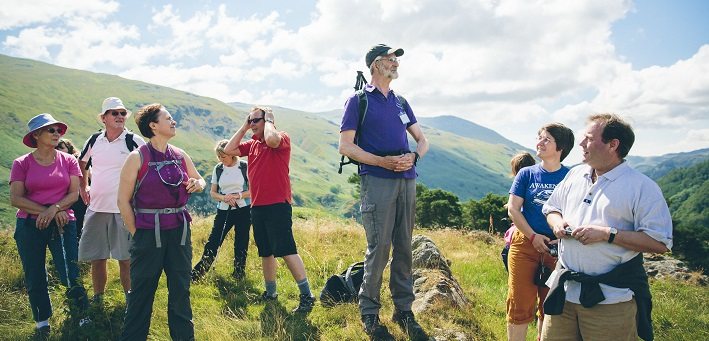 Volunteer on a guided walk