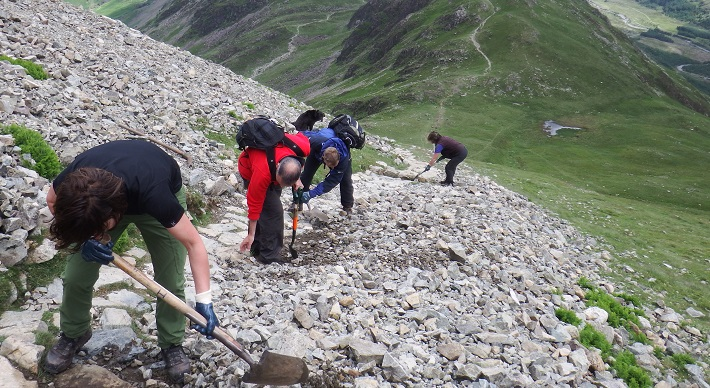 Fix the Fells repairing paths on Hay Stacks.