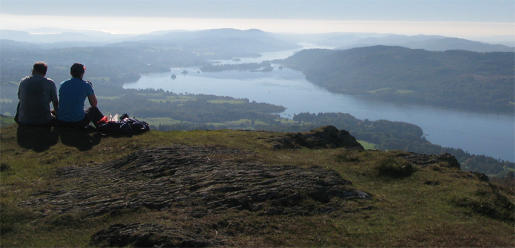 Walkers on Wansfell overlooking Windermere copyright LDNPA