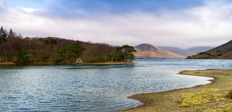 Looking-across-Wastwater-to-old-boathouse