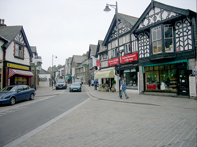 Cobbled road surface on Windermere High Street.
